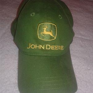 JOHN DEERE BASEBALL CAP CHILD SIZE